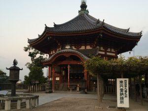 2016年11月興福寺 朝のお勤め