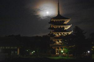月と興福寺